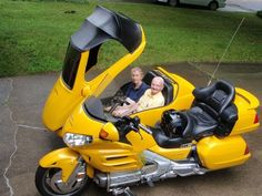 Goldwing with Champion Sidecar side by side - Goldwings - Motorrad Trike Motorcycle, Moto Bike, Motorcycle Touring, Harley Davidson Trike, Concept Motorcycles, Cool Motorcycles, Custom Trikes, Custom Cars, Weird Cars
