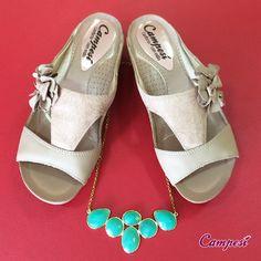 Este tamanco da linha Extra Suave combina com roupas e acessórios coloridos, contrastando com sua cor neutra. Experimente! #conforto #shoes #moda Compre aqui: lojacampesi.com.br