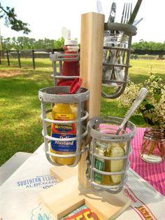 cute idea to display common picnic items