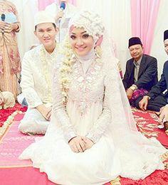 Dian pelangi muslim wedding dress