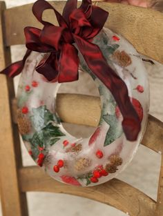 Ice wreath! Love this but it would never work here in Southern California ... | Scandinavian Decorating Ideas