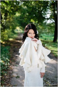 Felt Felted shawl - Bridal shawl - Elegant white Wavy Ruffle scarf - 2 in 1 Two side wearable -  Fast DHL shipping included