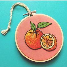 . Cr: @friday55 . . . @_mylittleneedle_ #mylittleneedle #embroidery #embroideryworld #handmade #orange #fruit
