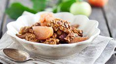 Omena-kaurapaistos on monelle tuttu, mutta kenties jo unohdettu jälkiruoka lapsuudesta. Testaa taas muistoja herättävää reseptiä!