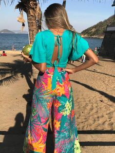 52 Summer Beach Outfits To Wear Asap 52 Summer Beach Outfits To Wear Asap Simple Outfits, Chic Outfits, Trendy Outfits, Summer Outfits, Beach Outfits, Fashion Pants, Fashion Outfits, Hype Clothing, Tropical Outfit