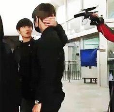 The way Jungkook caresses V's neck omfg  BTS | V and JUNG KOOK