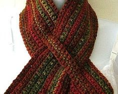 Crochet Scarves, Crochet Shawl, Crochet Clothes, Crochet Stitches, Crochet Hooks, Free Crochet, Knit Crochet, Scarf Knit, Cozy Scarf