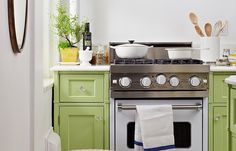 Step Inside the Perfect Petite Kitchen