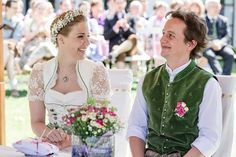 Deutsch-Österreichische Trachten Hochzeit fotografiert von b&b Fotografie
