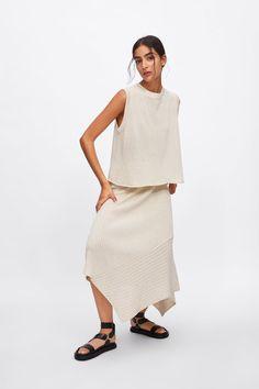FALDA PUNTO ASIMÉTRICA Zara Skirts, Zara United States, Knit Skirt, Zara Women, Summer Wardrobe, Peplum Dress, Knitwear, Georgia, Normcore
