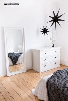 Nordic Bedroom White, Chunky Knit Throw und meine Erfahrungen mit dem Vorwerk Kobold VK200 Handstaubsauger