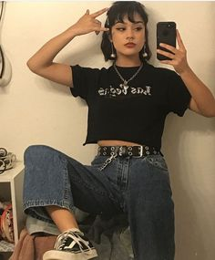 hipster outfits with jeans Hipster Outfits, Outfits Casual, Grunge Outfits, Grunge Fashion, 90s Fashion, Fashion Outfits, Grunge Clothes, 90s Clothes, Korean Fashion