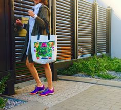 the feeder graphic print tote bag by kulik. shopping bag with leather handles.
