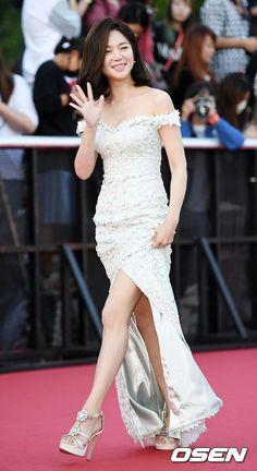 Fairy Wedding Dress, Wedding Dresses, Pretty Korean Girls, Korean Actresses, Korean Women, Korean Beauty, Me As A Girlfriend, Korean Singer, Movie Stars
