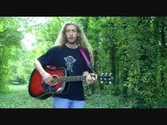 Liedje: Een denneappel valt op de grond- Tijl Daamen