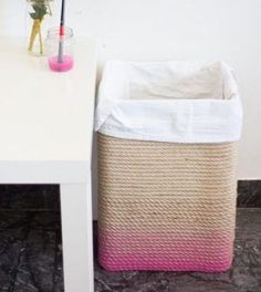 Today we are going to show you 29 Unbelievably Cheap DIY Home Decor Crafts Ideas. They can turn you from an amateur into an expert in home decoration or explode your creativity. Cheap Diy Home Decor, Trendy Home Decor, Diy Ombre, Diy Karton, Decor Crafts, Diy Crafts, Rope Decor, Diy Casa, Diy Headboards