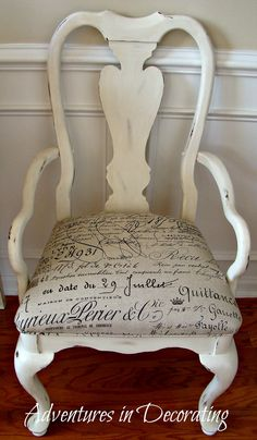 French script chair-- Idea for my dining room chairs one day Old Chairs, Dining Room Chairs, Office Chairs, Recover Chairs, Cafe Chairs, White Chairs, Dinning Table, Shabby Chic, Shabby Vintage