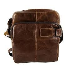 Buy TucciPolo high quality leather bags made with durable leather for your comfort. Our bags comprises of leather briefcases, leather messenger bags, travel bags, handbags and leather backpacks for travelling and hiking. Leather Briefcase, Leather Backpack, Leather Men, Leather Bags, Large Shoulder Bags, Leather Design, Bag Making, Travel Bags, Leather Shoulder Bag