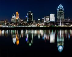 cincinnati ohio at night