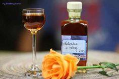 Nalewka z róży - 10 lutego 2015 - My Blueberry Corner Irish Cream, Whiskey Bottle, Blueberry, Corner, Rustic, Blueberries, Retro, Farmhouse Style, Primitives