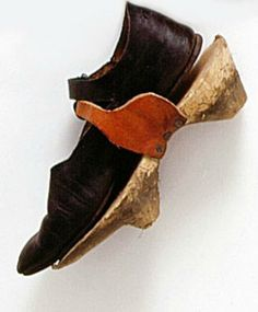 "Fashion History......1400 A.D...Medieval ""VAN EYK"" Over-Shoes"