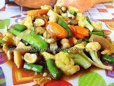 Capcay Goreng Saus Tiram - Resep Masakan Indonesia Paleo Recipes, Asian Recipes, Cooking Recipes, Malaysian Food, Indonesian Food, Indonesian Recipes, Happy Foods, How To Eat Paleo, No Cook Meals