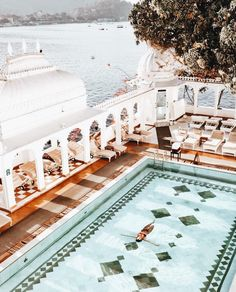 Swimming in this pool in the middle of a lake was magical. #TajLakePalace #Udaipur