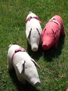 Linen pigs from Maileg.