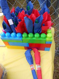 A utensil holder idea using megabloks instead of Lego. Lots of room to wrap utensil sets in napkins. Lego Movie Birthday, Lego Movie Party, Lego Themed Party, Ninjago Party, 6th Birthday Parties, Boy Birthday, Birthday Ideas, Fiestas Peppa Pig, Decoration Table