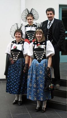 Folk costumes from the Bernese Oberland Canton, Switzerland.