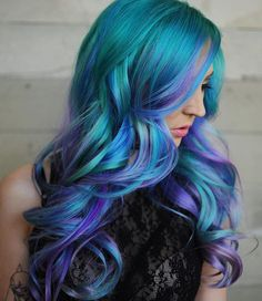 Summer crushing on this insane color by @xostylistxo & @pulpriothair !!! #creativebrushes
