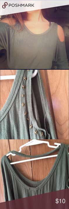 Wet Seal green blouse Worn twice. Open shoulders with star details. Loose fit with open back. Super cute! Wet Seal Tops Blouses