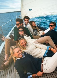Classy Girls Wear Pearls: Sail AwayYou can find Prep life and more on our website.Classy Girls Wear Pearls: Sail Away Casual Chic Outfits, Adrette Outfits, Preppy Outfits, Preppy Wardrobe, Summer Outfits, Style Preppy, Preppy Mode, My Style, Preppy Style Winter