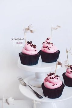 Chocolate cupcakes with raspberry #Yummy Cupcakes #Cupcakes