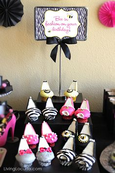 Cute High Heels Cupcakes for a Fashion Birthday Party! LivingLocurto.com