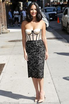 Simple style: The 33-year-old Olivia Munn wore pointed nude Christian Louboutins but no other accessories, letting the dress shine on its own