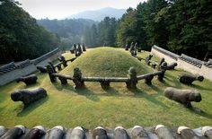 south korean mond tombs | Admission Prices: 1,000 won (Adults – ages 19 and over), 500 won ...