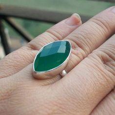Emerald green ring - Gemstone ring - Green Onyx ring - Artisan rings $70.00