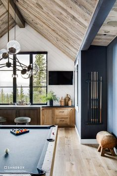 Sandbox Studio designed this stunning mountain-style farmhouse for a large family in Martis Camp, a community in Truckee, California. Mountain Style, Mountain Modern, Beautiful Kitchen Designs, Beautiful Kitchens, Alpine House, Indoor Outdoor Living, Modern Luxury, Windows And Doors, Great Rooms