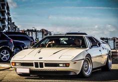 Good! BMW http://geton.goo.to/photo.htm #geton #auto #car #BMW #M1 目で見て楽しむ!感性が上がる大人の車・バイクまとめ -geton http://geton.goo.to/