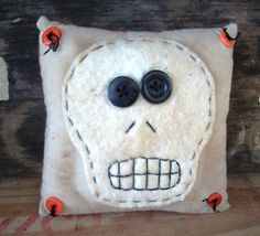 Small Country Primitive Skull appliqued bowl by thewoodedlake, $10.85