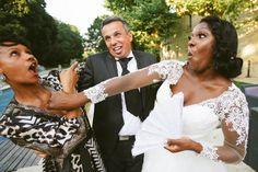 Photo drôle et humoristique de la mariée qui tape la maîtresse du mari au Domaine de Valmont Photo Macro, Photos Hd, Photo Couple, Photo Booth, Wedding Dresses, Fashion, Newlyweds, Family Portraits, Funny Photos