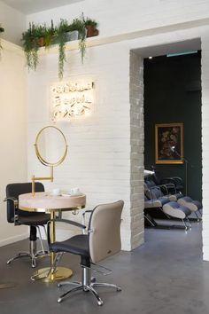 Frank & Faber   Aer Blow-dry Bar, brass vanity area