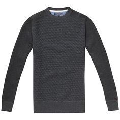 Klassisches Tommy Hilfiger Stepp-Sweatshirt mit Rundhalsausschnitt und die Bündchen in Rippstrick-Optik. Das Logostitching befindet sich auf dem Ärmel.80% Baumwolle, 20% Polyester...