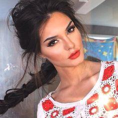 Love this evening look!! #redlips #updo #makeup #beauty