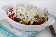 Salată bulgărească Grains, Avocado, Rice, Vegan, Recipes, Food, Fine Dining, Lawyer, Eten