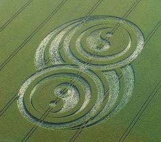 """The Yin Yang Infinity Loop Crop Circle"" appeared in West Kennett, near Avebury, Wiltshire. Reported 21st June 2009."