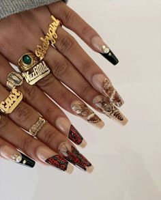 Image in Nails. collection by Aaaurélie S. on We Heart It Nail Design Stiletto, Nail Design Glitter, Perfect Nails, Gorgeous Nails, Pretty Nails, Hair And Nails, My Nails, Black Girl Aesthetic, Fire Nails