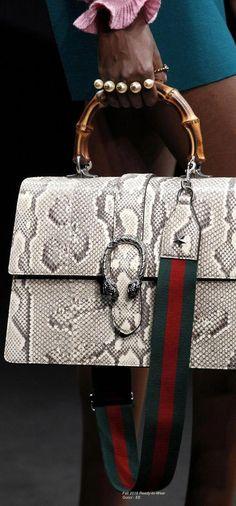 b8862d2b77f3 Gucci Fall 2016 Ready-to-Wear Fashion Show Details leather handbags 2018   Guccihandbags