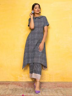 The Loom Simple Kurta Designs, Kurta Designs Women, Stylish Dress Designs, Stylish Dresses, Blouse Designs, Neckline Designs, Indian Fashion Dresses, Indian Designer Outfits, Kurta Patterns
